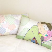 pillow_osomatsusan3_heya