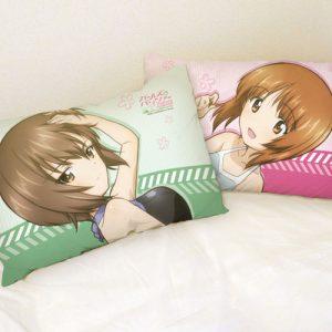 pillow_gupfilm1_heya